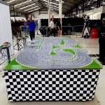 SQ IMG GIANT SCALEXTRIC New 6