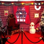 Meet and Greet Grotto with Golden Thrones interior