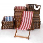 At Sunshine Events we have well over 150+ Red and Blue Deckchairs