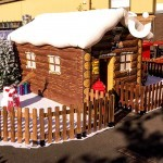 Inflatable Santa's Grotto 4