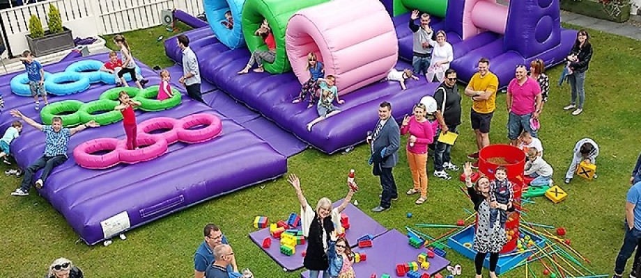 17 Exciting Entertainment Hire Ideas For Corporate & Family Fun Days