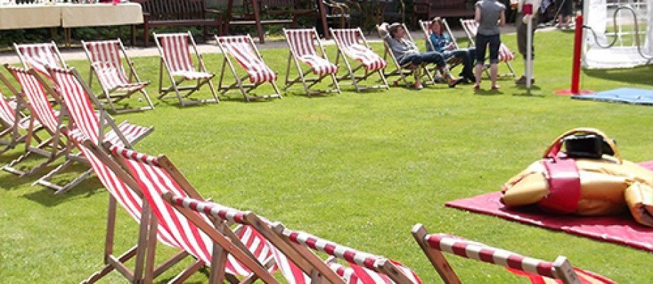 Deckchair Madness: Your guide to the summer essential!