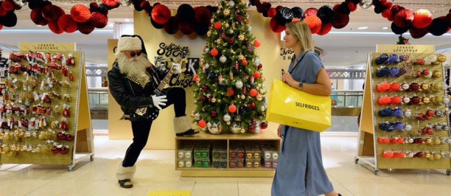 Selfridges unveil Christmas...4 months early!